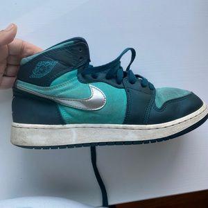 Nike air jordans size 7 y